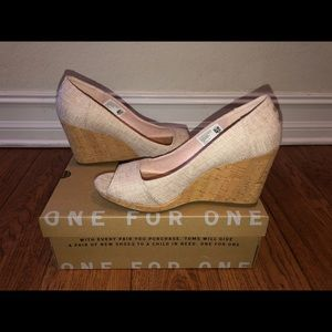 Toms Stella Wedge Pale Pink Woven EUC